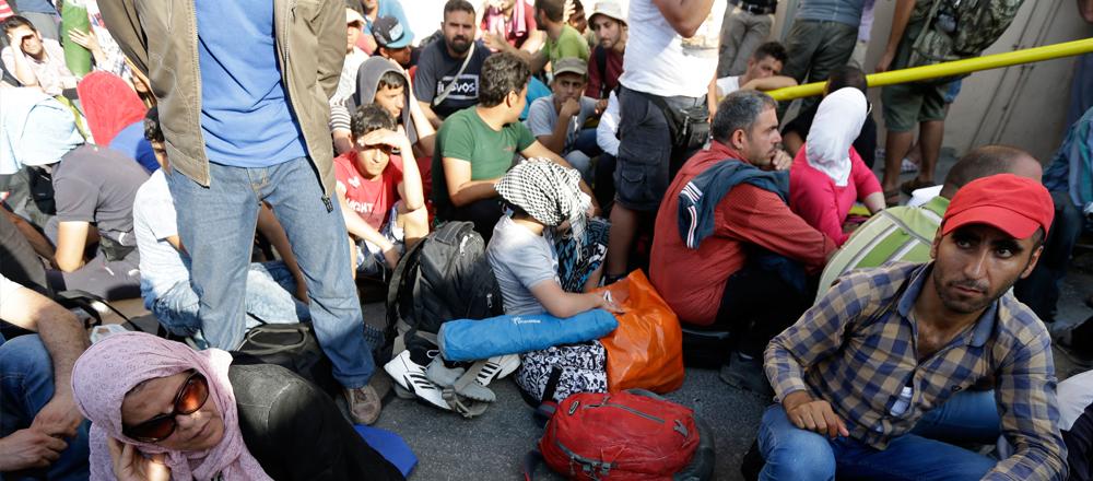 Српска лига: Мигранте који угрожавају живот грађана Србије најоштрије санкционисати